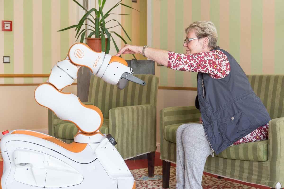 Pflegeunterstützungsroboter PUR